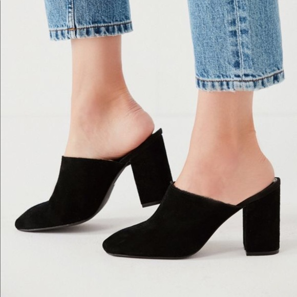 f75081977bd Urban Outfitters Black Mule Heels